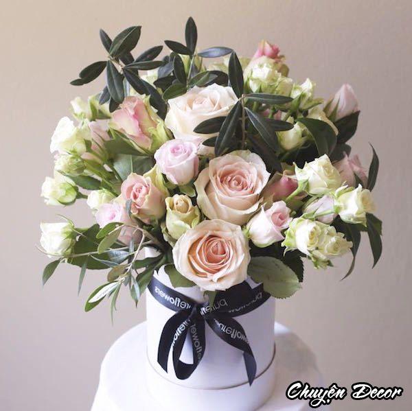 Lọ hoa hồng đẹp để bàn