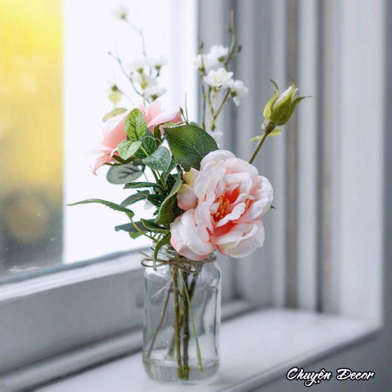 Lọ hoa hồng đơn giản